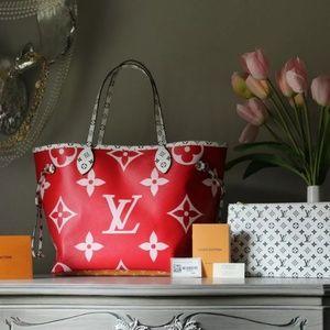 Louis Vuitton Neverfull MM Giant Monogram